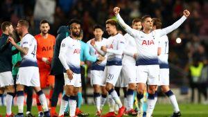 "Tottenham, a octavos de ""Champions"" tras empatar con Barsa"