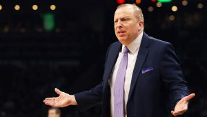 Timberwolves despiden al coach Tom Thibodeau
