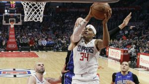 Harris y Clippers superan inicio lento y vencen al Magic