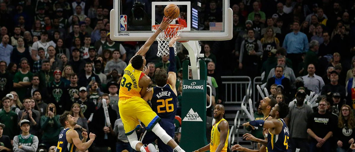Antetokounmpo anota 30; Bucks doblegan a Jazz