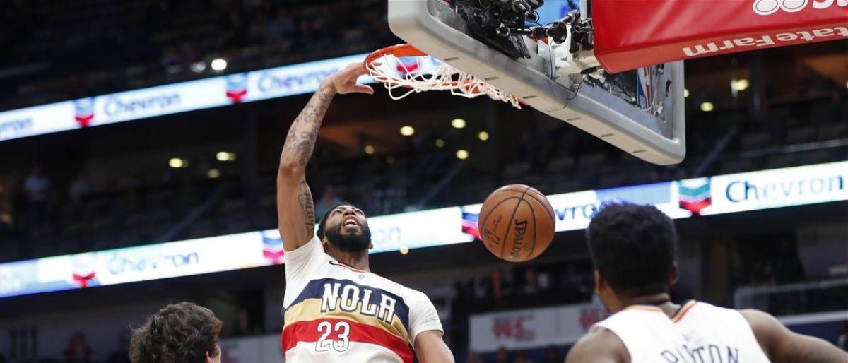 Con 38 puntos y 13 rebotes de Davis, Pelicans vencen a Cavs