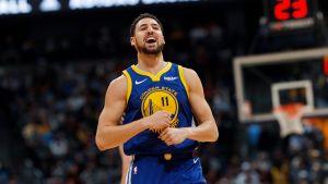 Warriors impone récord de la NBA con 51 puntos en 1er cuarto