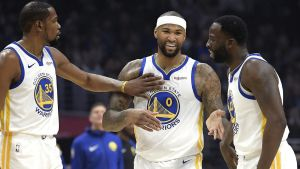Los Warriors vencen 112-94 a los Clippers en regreso de Cousins