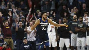 Rose y Towns lideran victoria de Minnesota ante Phoenix