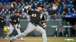Yankees le otorgan pacto de liga menor a Danny Farquhar