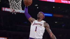 Zubac, Caldwell-Pope lideran a Lakers mermados ante Suns
