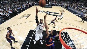 Gay da a Spurs triunfo de 126-124 sobre Suns
