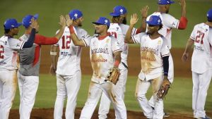 Panamá se impone ante Dominicana en su regreso a Serie del Caribe
