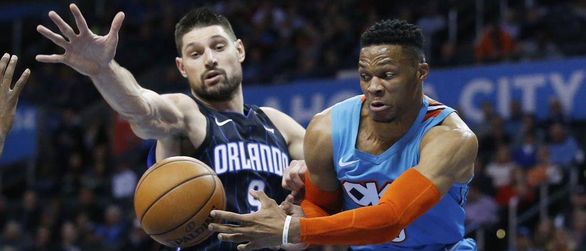 Westbrook hila 7mo triple-doble, guía a Thunder ante Magic