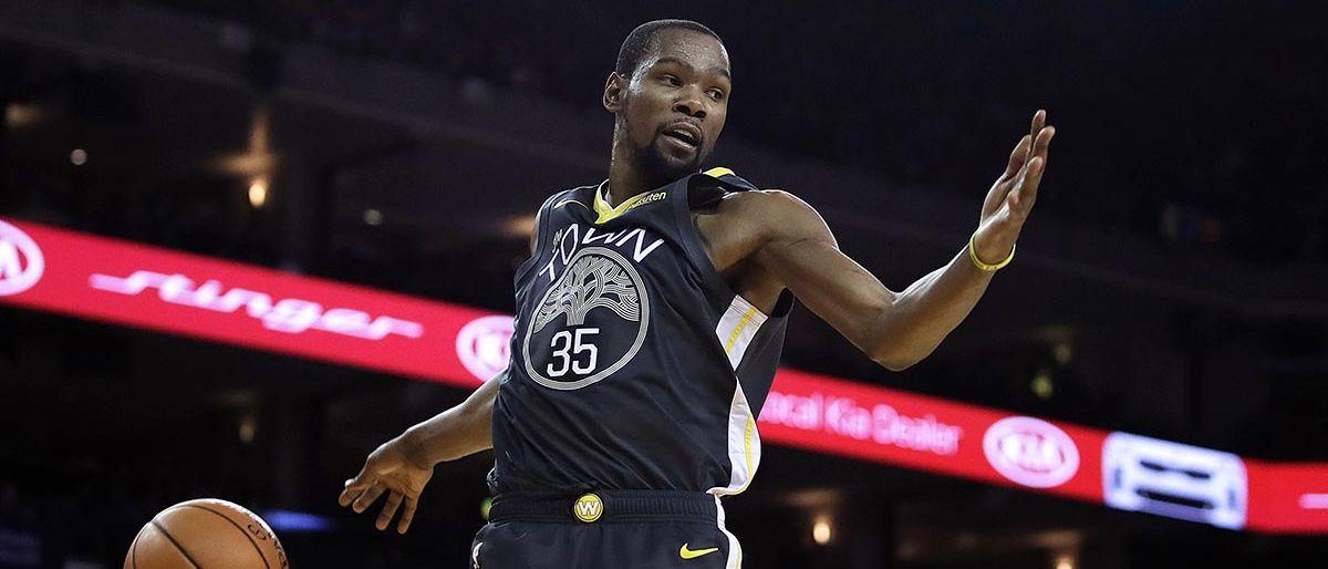 Con 39 puntos de Durant, Warriors supera 120-118 al Heat