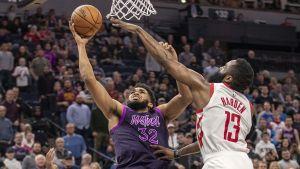 Wolves vencen a Rockets pese a 42 puntos de Harden