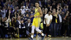 Curry y Durant lideran ataque de los Warrios ante Kings