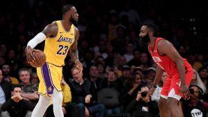 LeBron y los Lakers regresan ante Houston para llevarse la victoria