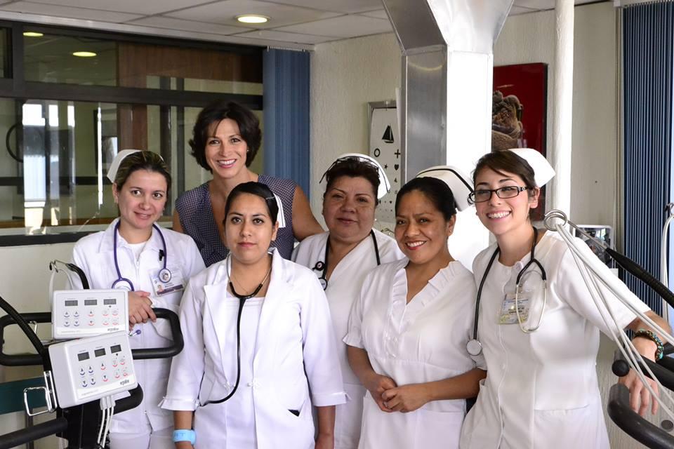 Nado por mi Corazón, con las enfermeras del Instituto Nacional de CARDIOLOGÍA DR. IGANCIO CHÁVEZ