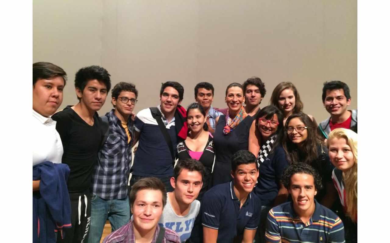 Con jóvenes universitarios para promover la prevención de adicciones