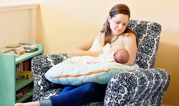 Nook Blog Breastfeding Newborn Niche Nursing Pillow