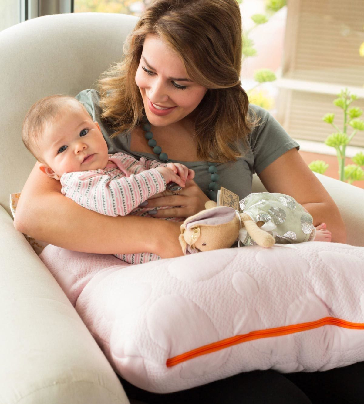 Organic Baby Feeding Pillow Niche