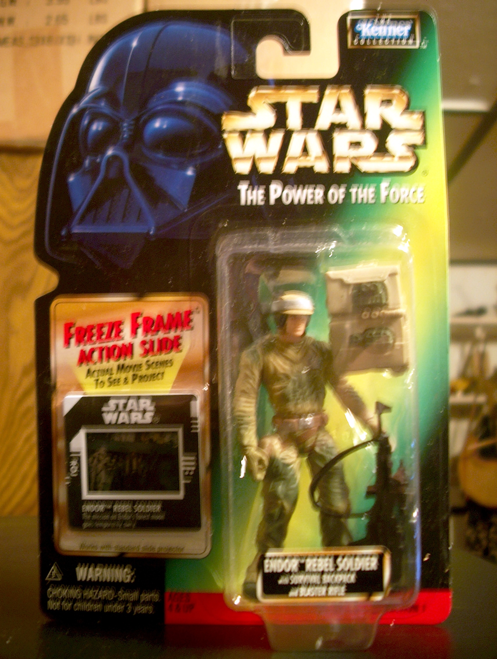 Endor Rebel Soldier with Survival Backpack and Blaster Rifle (.01)