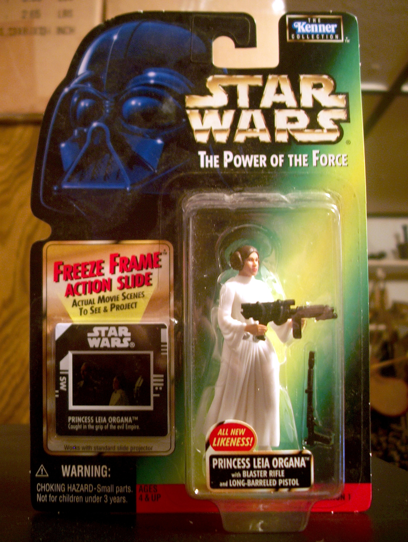 Princess Leia Organa with Blaster Rifle and Long-Barreled Pistol (All New Likeness!)