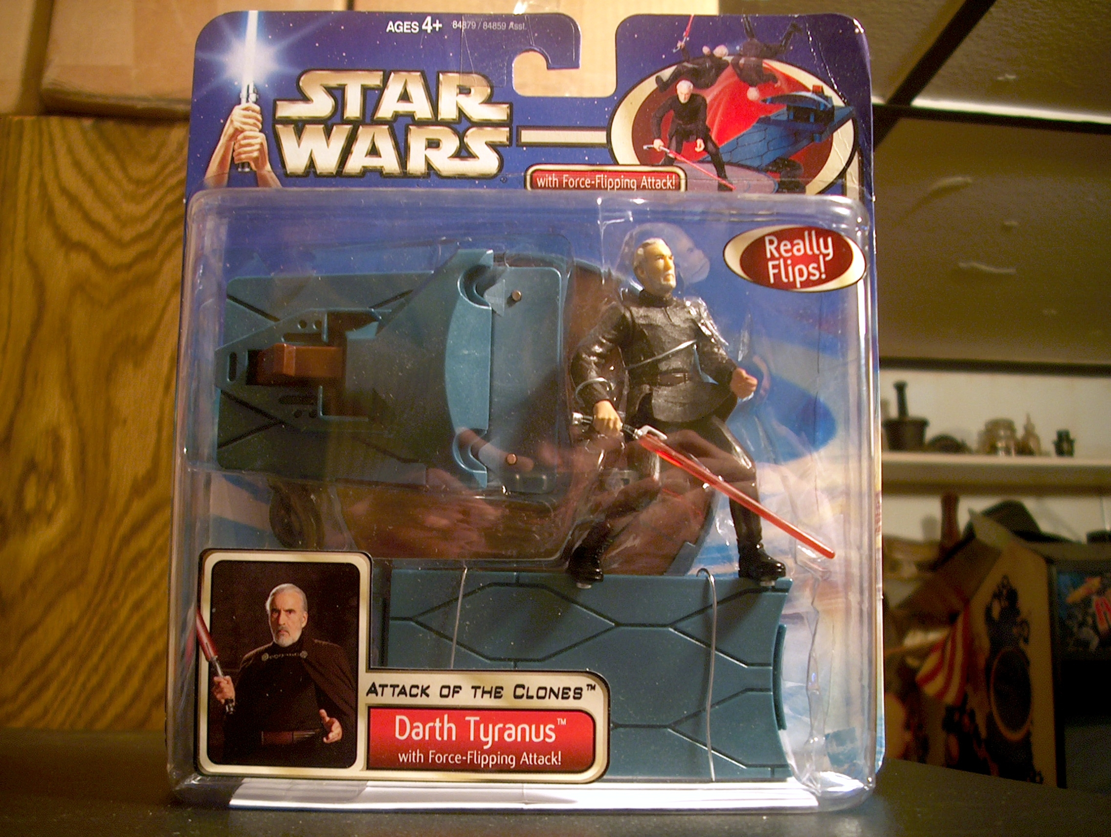 Darth Tyranus with Force-Flipping Attack!