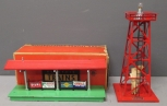 Lionel 156 Lighted Station Platform & 394 Revolving Beacon Tower-Red