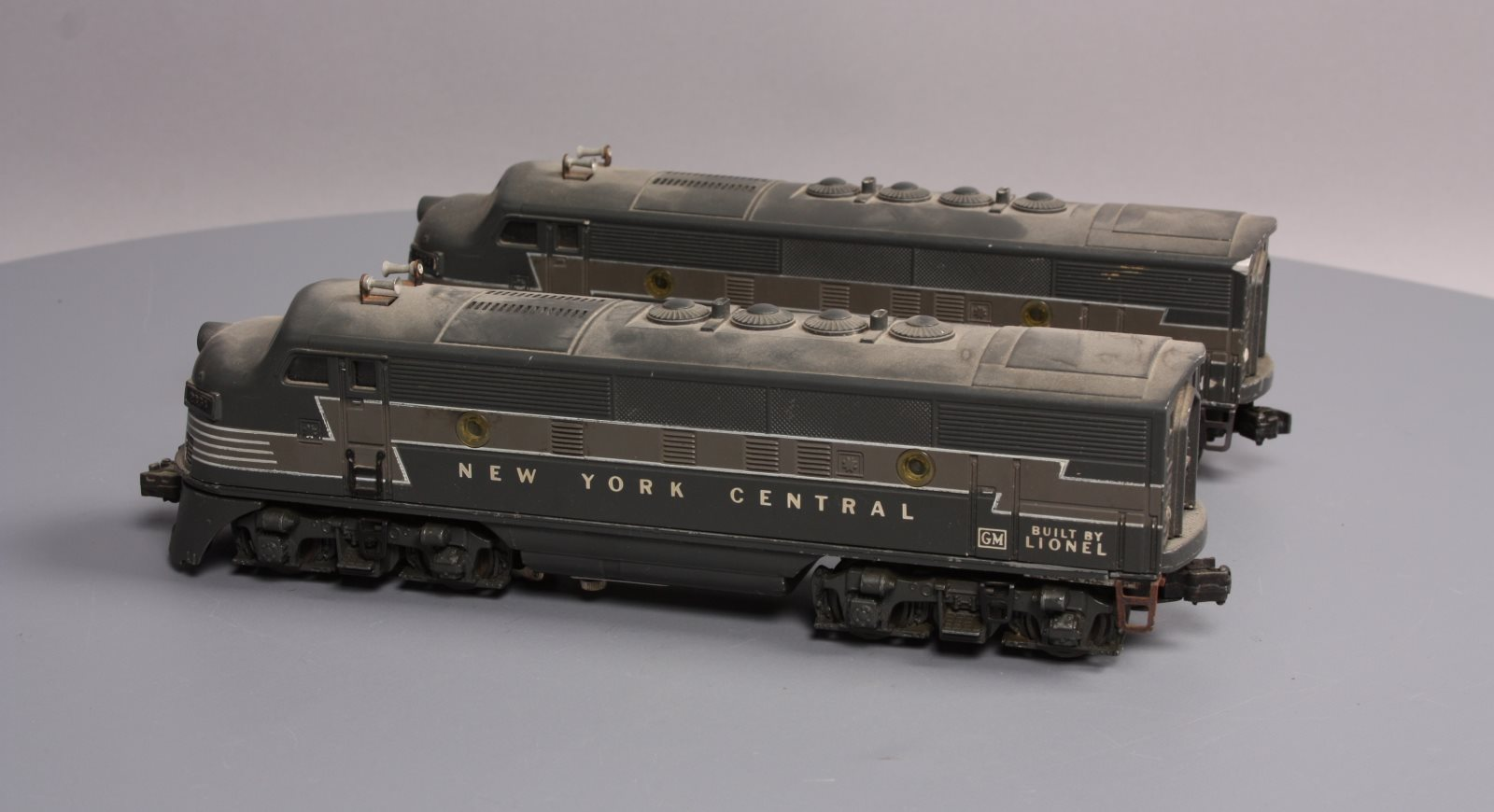 Lionel 2354 New York Central F-3 AA Diesel Locomotives 023922623546 Lionel  2354