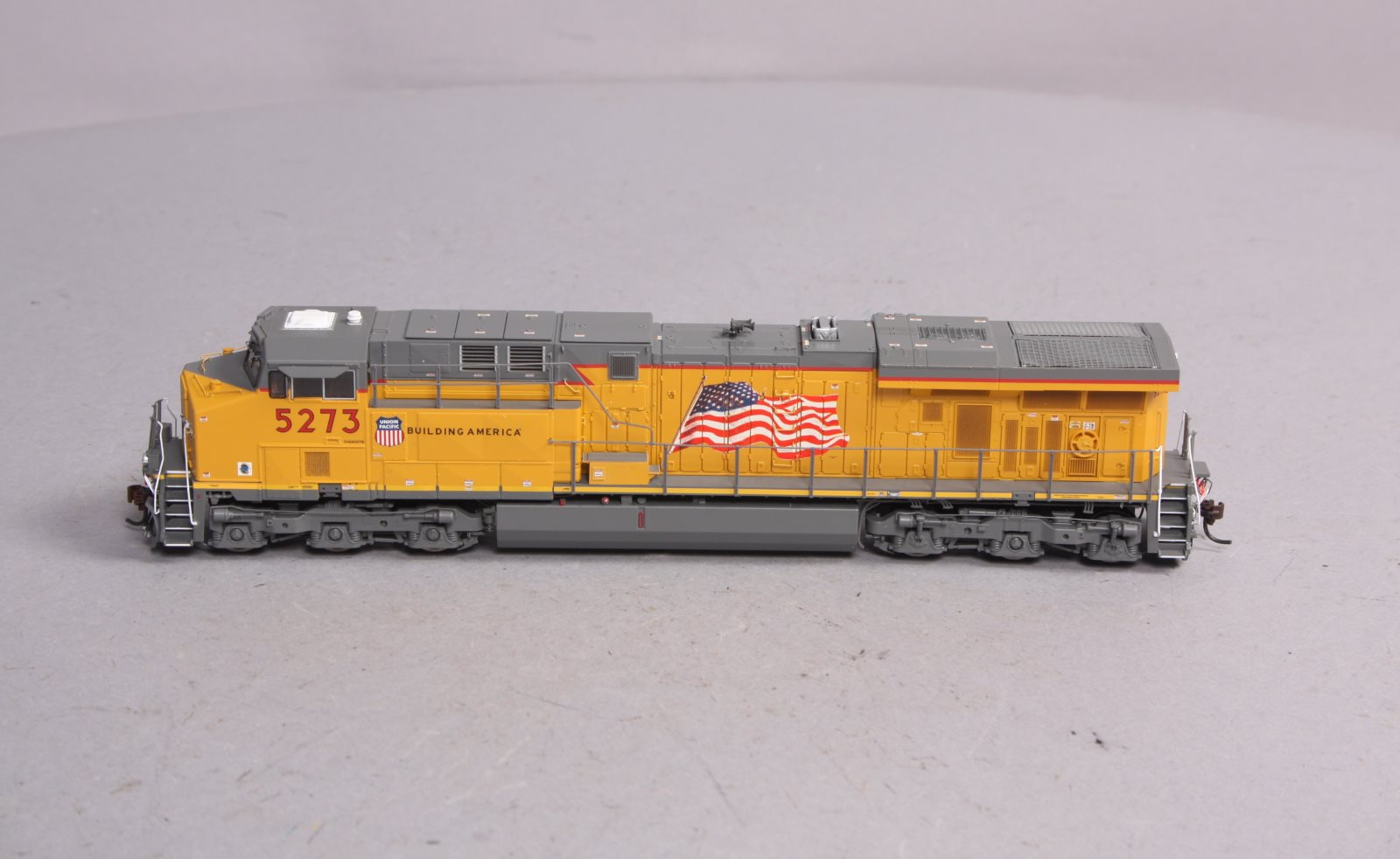 Buy Athearn G69713 HO Scale Union Pacific GE ES44AC Diesel