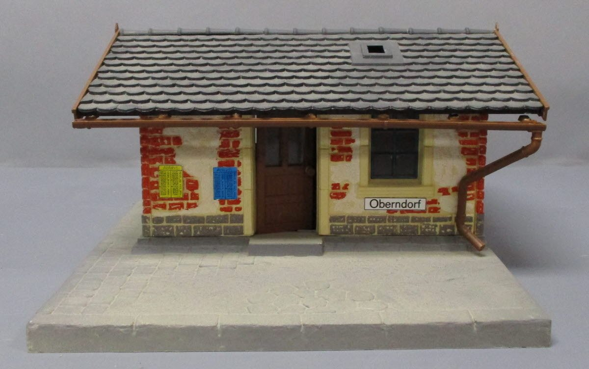 Buy Pola G Scale Waiting Room - Assembled | Trainz Auctions