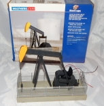 O/ 027 gauge Walthers Operating Oil Pump Jack w/chain link fencing Boxed