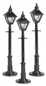 "MTH 30-1079 Set of 3 Die-Cast 4-Sided Main Street Lamps Posts O/S 4"" tall sq.glb"