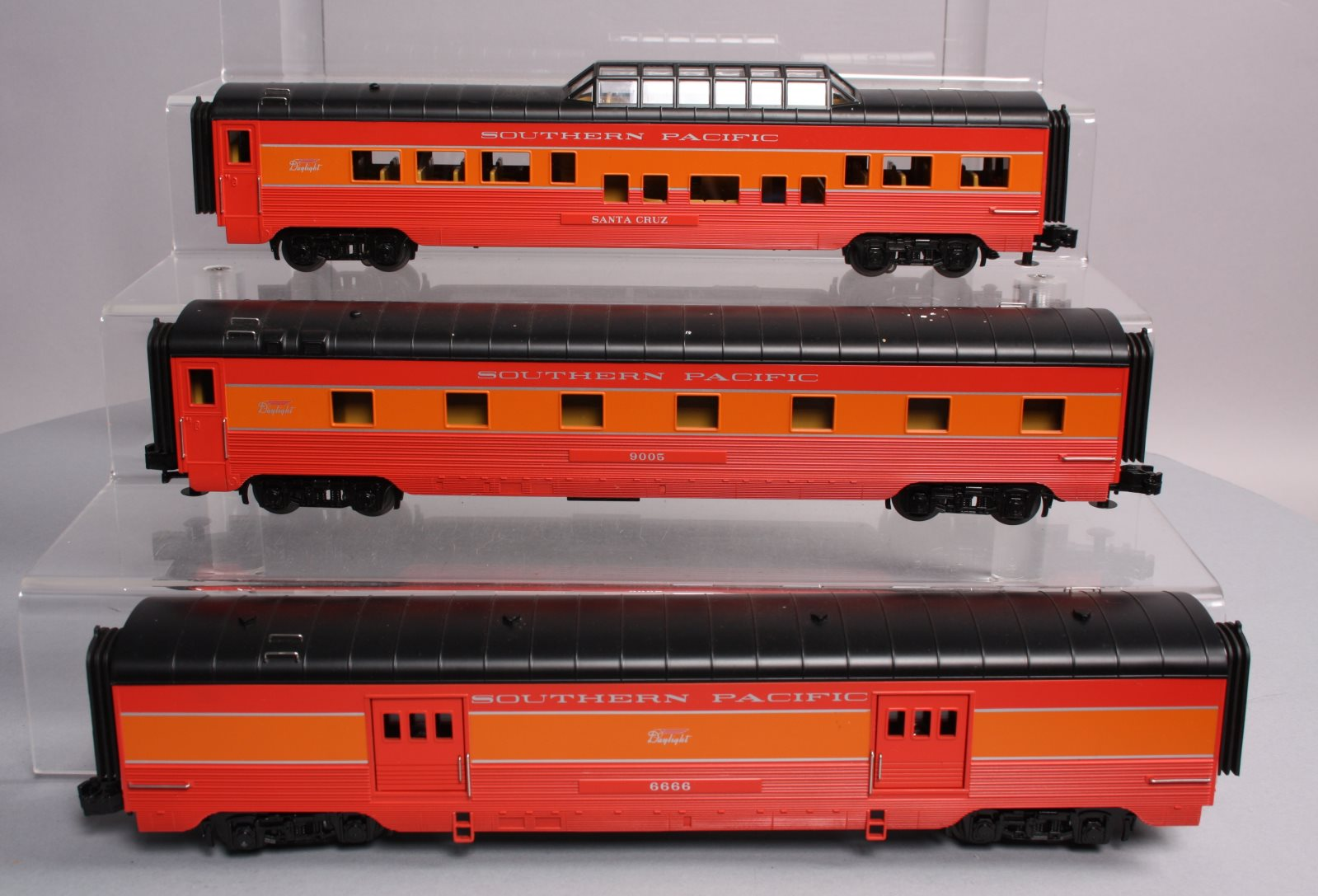 Buy MTH O Gauge Southern Pacific Passenger Cars [3] | Trainz Auctions