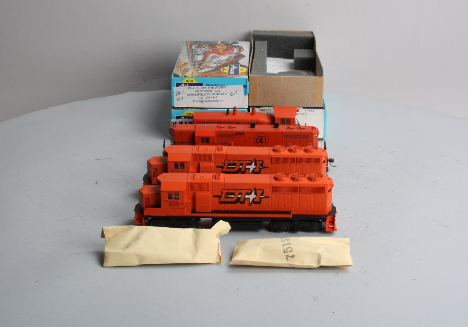 Buy Athearn HO Scale DT&I Diesel Engines GP7, GP40-2, SW7 (4