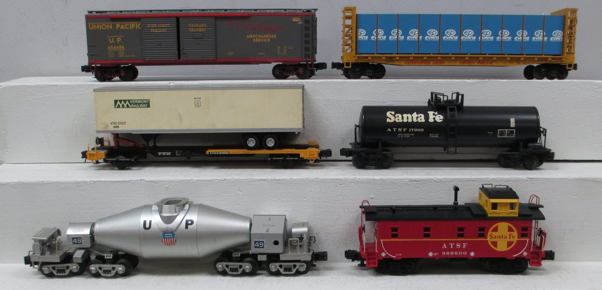 Assorted O Modern Union Pacific and Santa Fe Freight Cars (6)