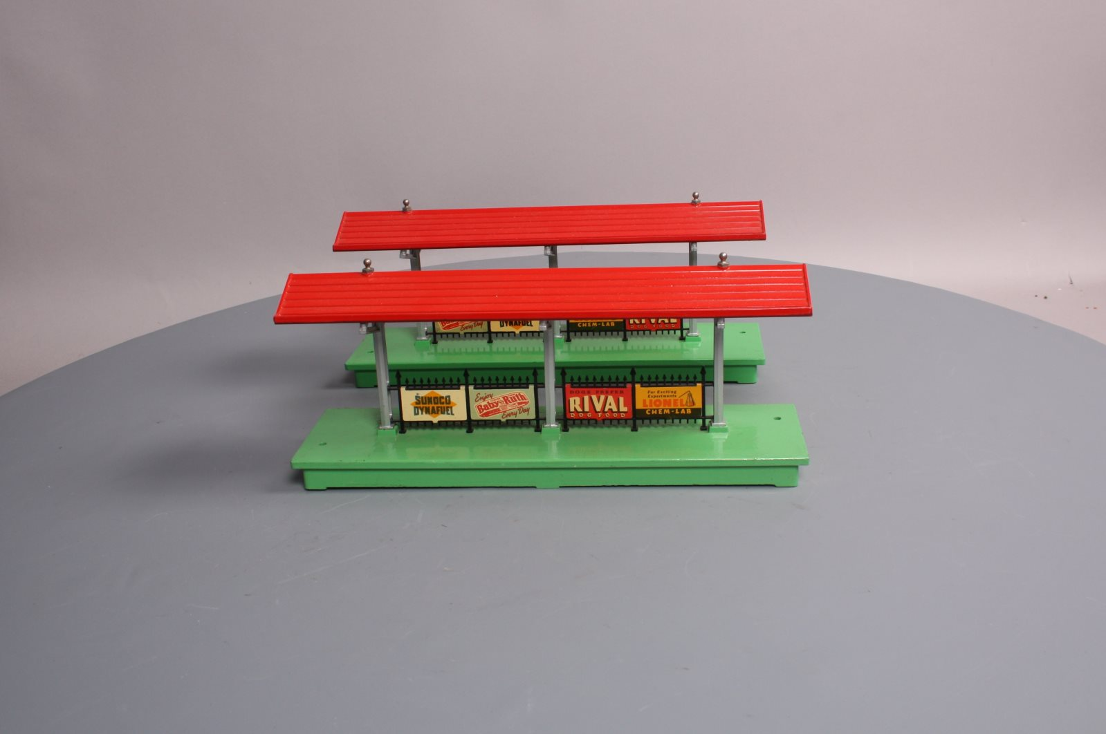 Buy Lionel 156 Lighted Station Platform [2] | Trainz Auctions