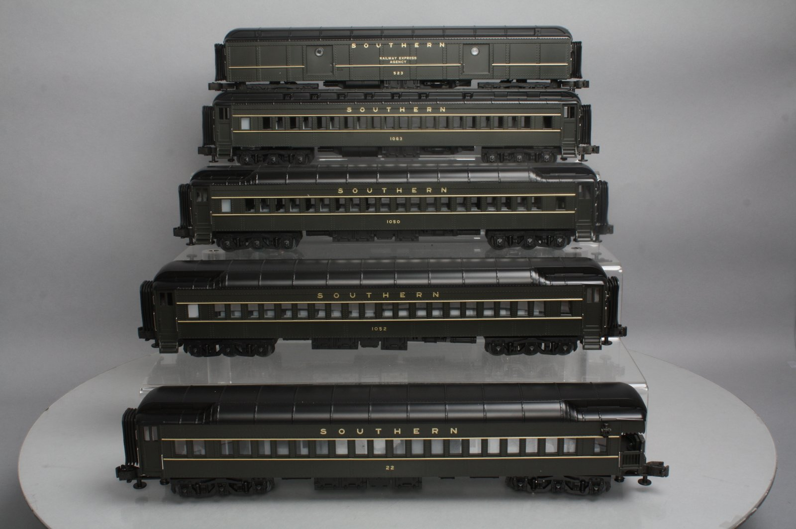 Buy MTH 20-4036 Southern 5-Car Passenger Set LN/Box | Trainz Auctions