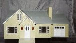 Lionel 6-34122 Bungalow w/ Garage O gauge lighted House Lionelville cream color