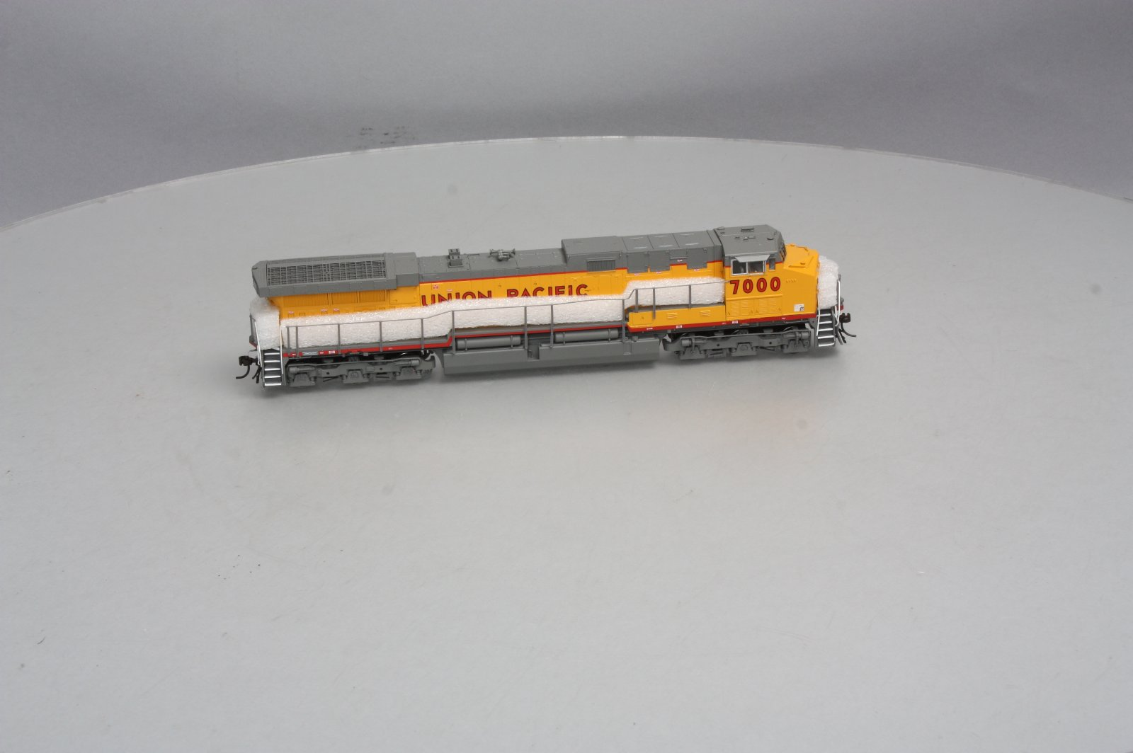 Buy Broadway Limited 685 HO Scale Union Pacific Paragon
