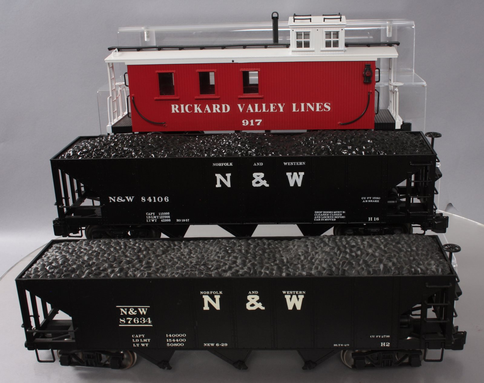 Buy Bachmann G Scale Hoppers and Caboose [3] | Trainz Auctions