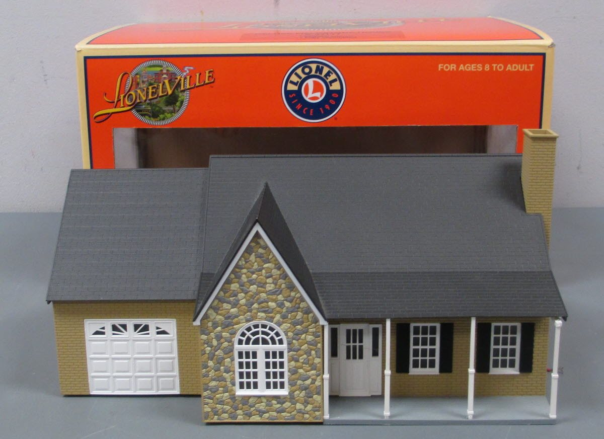 Lionel 6-34110 Estate House O gauge house lighted Lionelville layout accessory