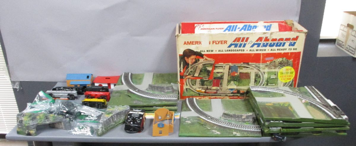 Buy American Flyer 20812 The Champion/Box | Trainz Auctions