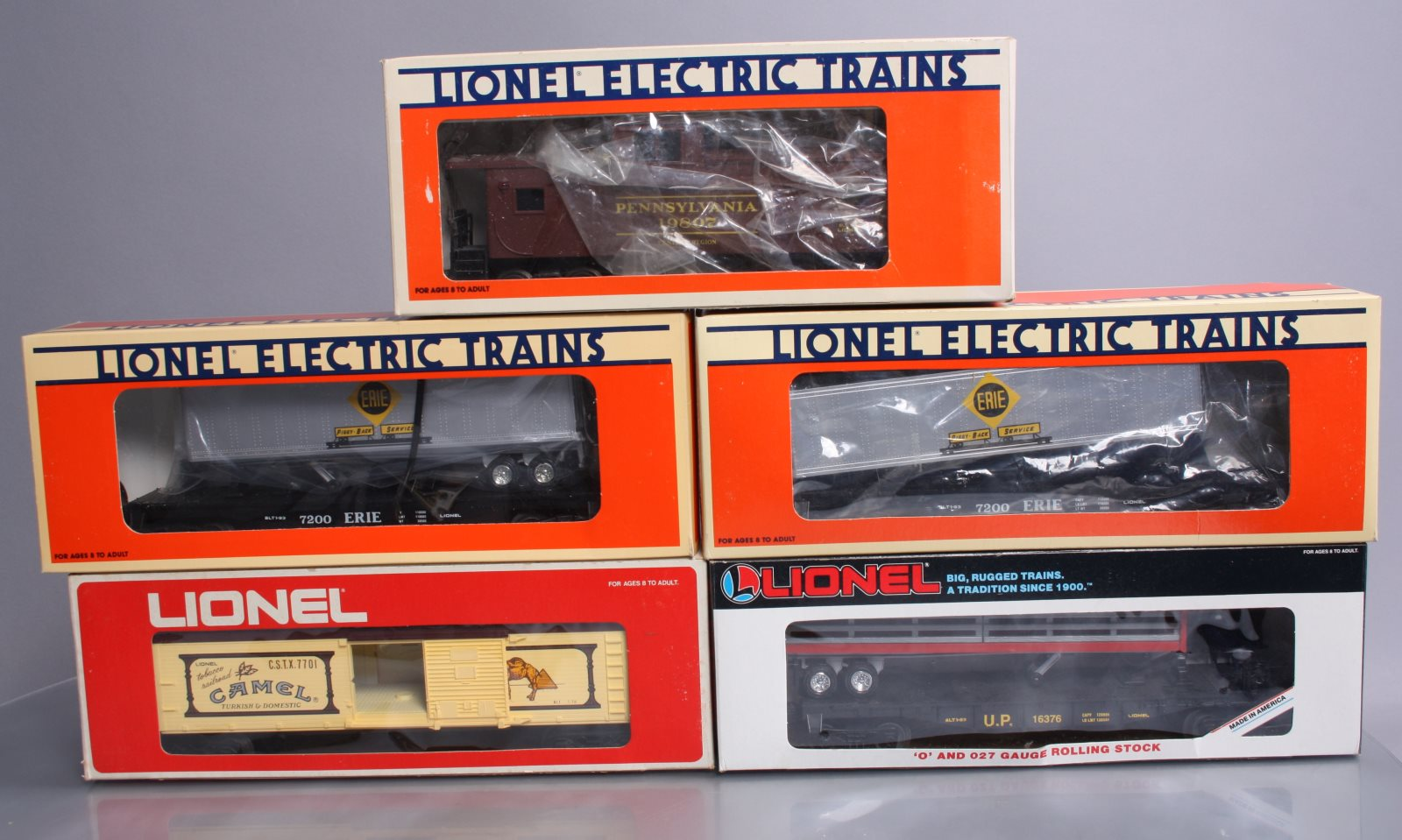 Lionel O Gauge Modern Freight Cars: 6-19415, 6-19415, 6-19807, 6-16376 & 6-7701  Lionel