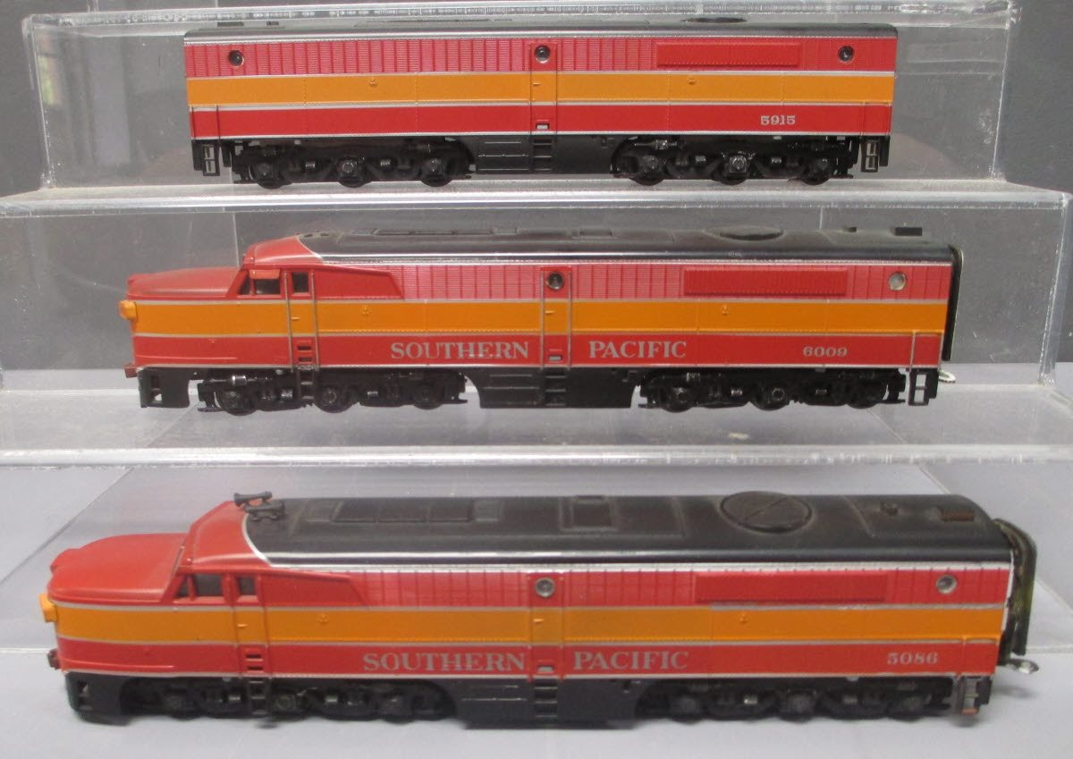 Buy HO Scale Southern Pacific Alco Diesel Locomotives [3