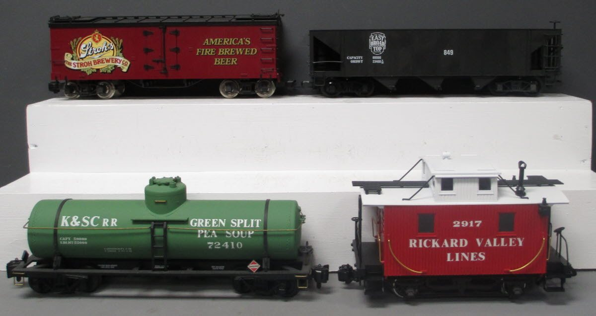 Buy Assorted G Scale Freight Cars [4] | Trainz Auctions