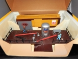 K-Line Trains K-42434 Operating Union Pacific Paint Shop w/ SP/UP Scale Boxcar O