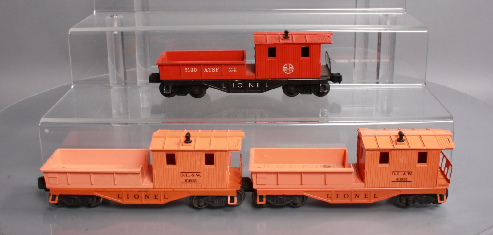 Lionel O Postwar Working Caboose Freight Cars: 611925 DL&W and 6130 ATSF [3]  Lionel