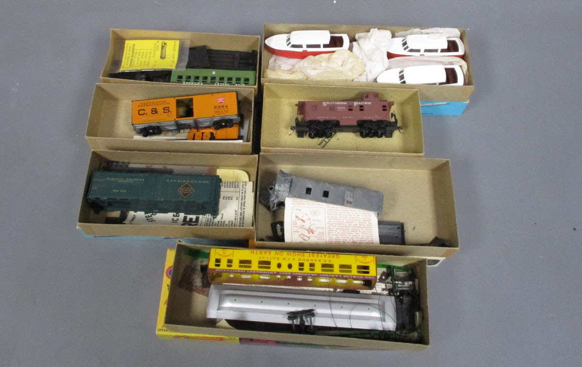Buy Athearn and Roundhouse HO Scale Car Kits [5]/Box | Trainz Auctions