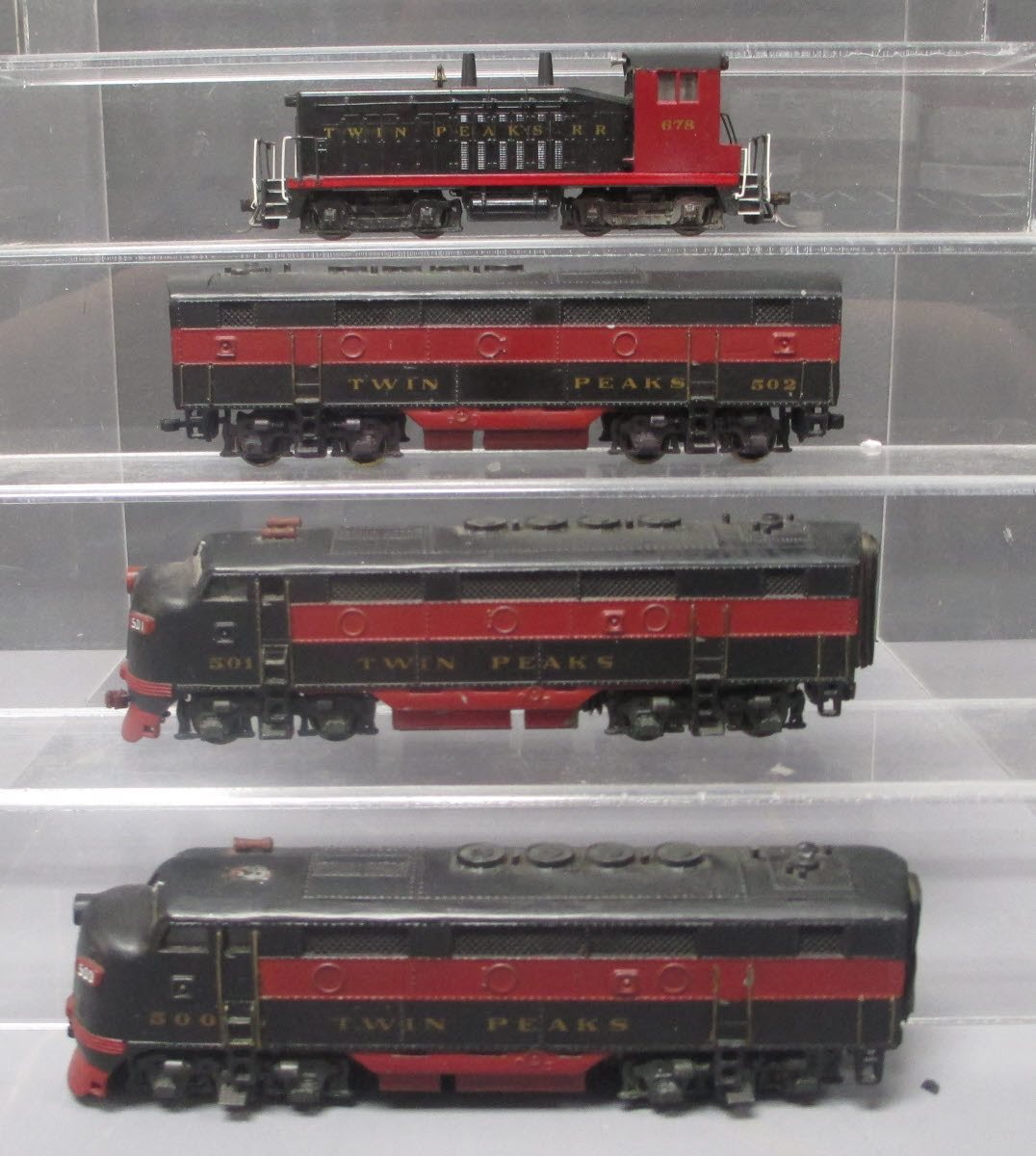 Buy HO Scale Twin Peaks Diesel Locomotives [4] | Trainz Auctions