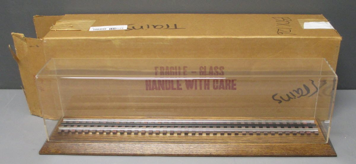 Buy Lionel O Gauge 25 Inch Display Case LN | Trainz Auctions