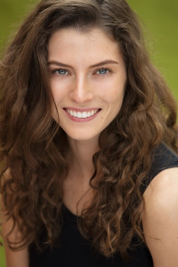 Anna Rochfort - Actors Headshots