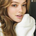 @emmyra8's Profile Picture